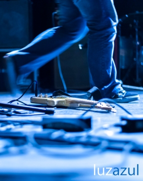 Guitarra_Tanned Tin 2012_Luzazul