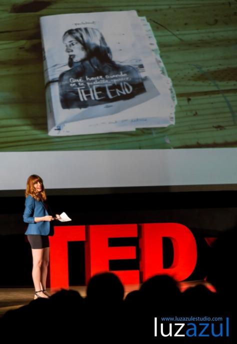 Charlas TEDxLa Vall organizadas por el IES Honori Garcia de La Vall d'Uixó. 2014. Fotos Raúl Rubio, luzazul estudio. Paula Bonet Que hacer cuando en la pantalla aparece The End