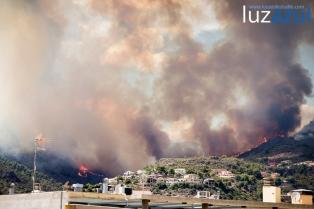 Incendio forestal en la Vall d'Uixó. 2014. Luzazul estudio (Raul Rubio)