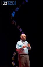 José Antonio López en las charlas TEDxLaVall2015, organizadas por el IES Honori Garcia en la Vall d'Uixó. Foto: Raúl Rubio (www.luzazulestudio.com)