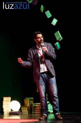 Manolo Moliner en las charlas TEDxLaVall2015, organizadas por el IES Honori Garcia en la Vall d'Uixó. Foto: Raúl Rubio (www.luzazulestudio.com)